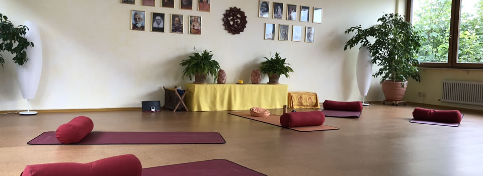 Yoga-Samiti-Ueberlingen-Yoga-Raum-960×350-001
