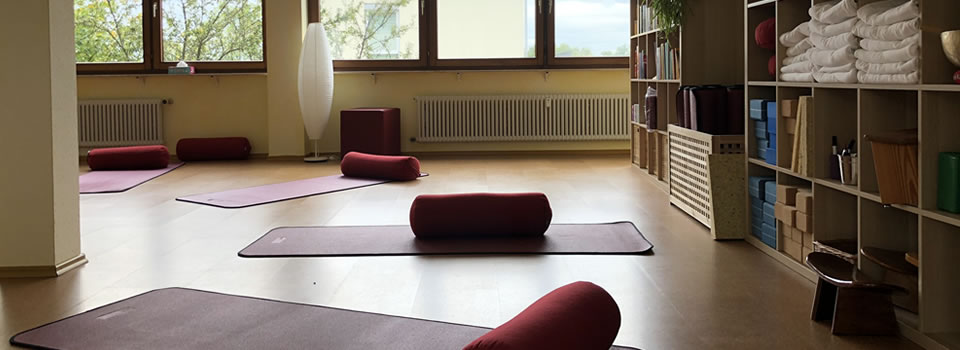 Yoga-Samiti-Ueberlingen-Yoga-Raum-960×350-002