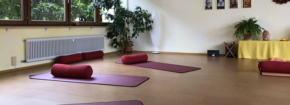 Yoga-Samiti-Ueberlingen-Yoga-Raum-960×350-003