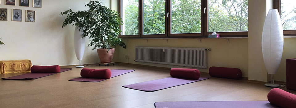 Yoga-Samiti-Ueberlingen-Yoga-Raum-960×350-004