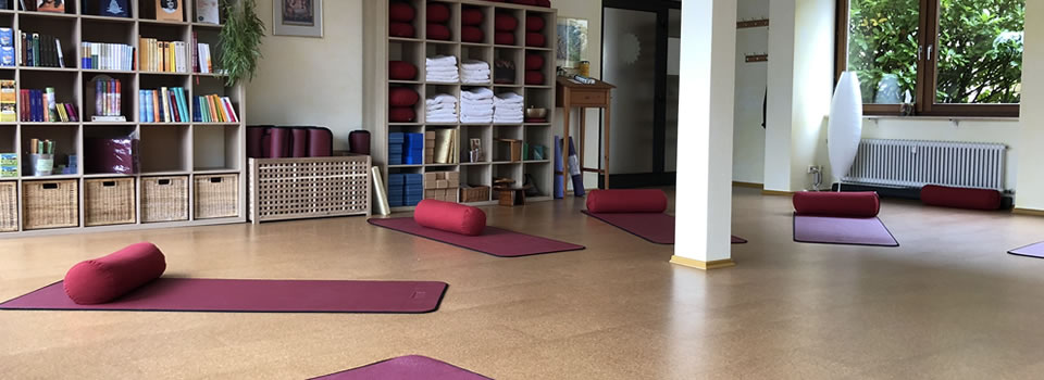 Yoga-Samiti-Ueberlingen-Yoga-Raum-960×350-005