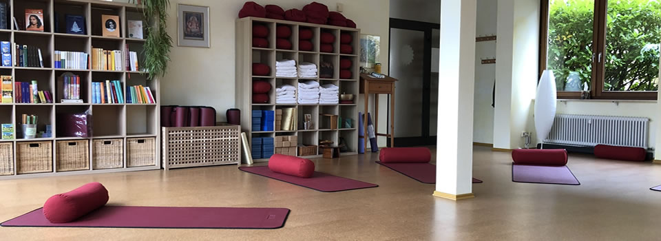Yoga-Samiti-Ueberlingen-Yoga-Raum-960×350-007